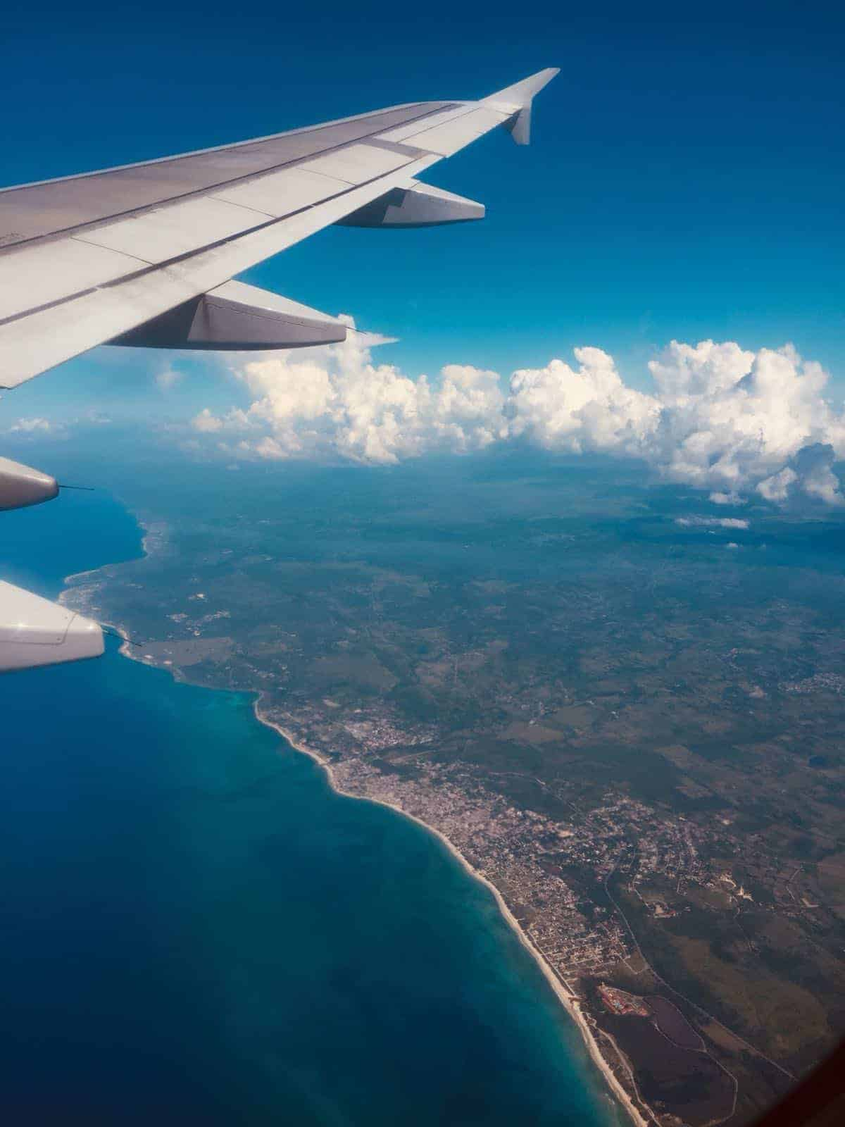 a picture of a flight going to Cuba