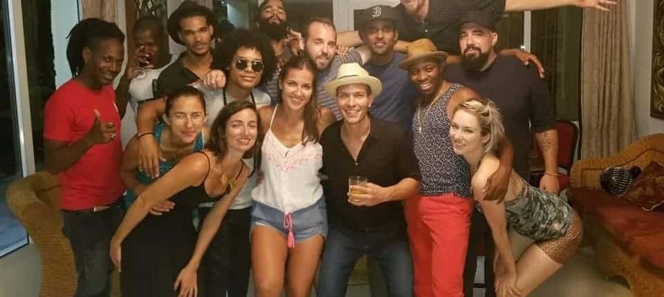 un gruppo privato in un tour di musica di Cuba